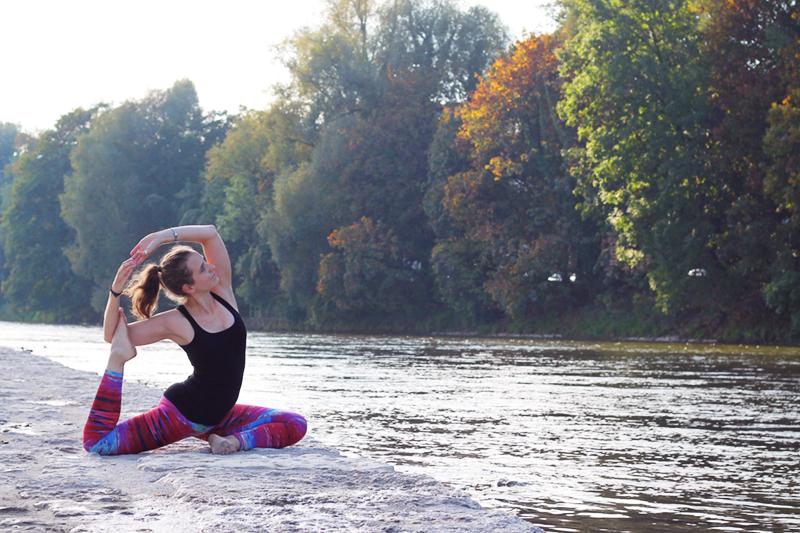 Yoga_Glitch_Reebok_WhoMadeTheRules