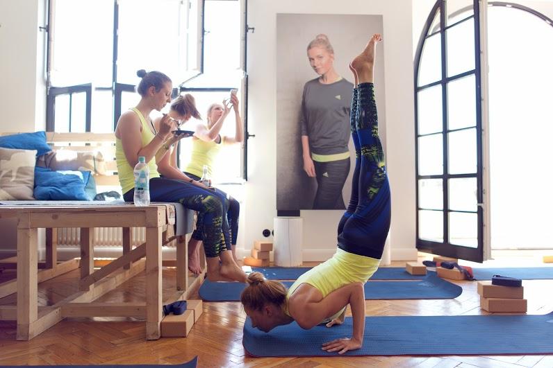 Yoga_Adidas-Boostloft_AvaCarstens 111