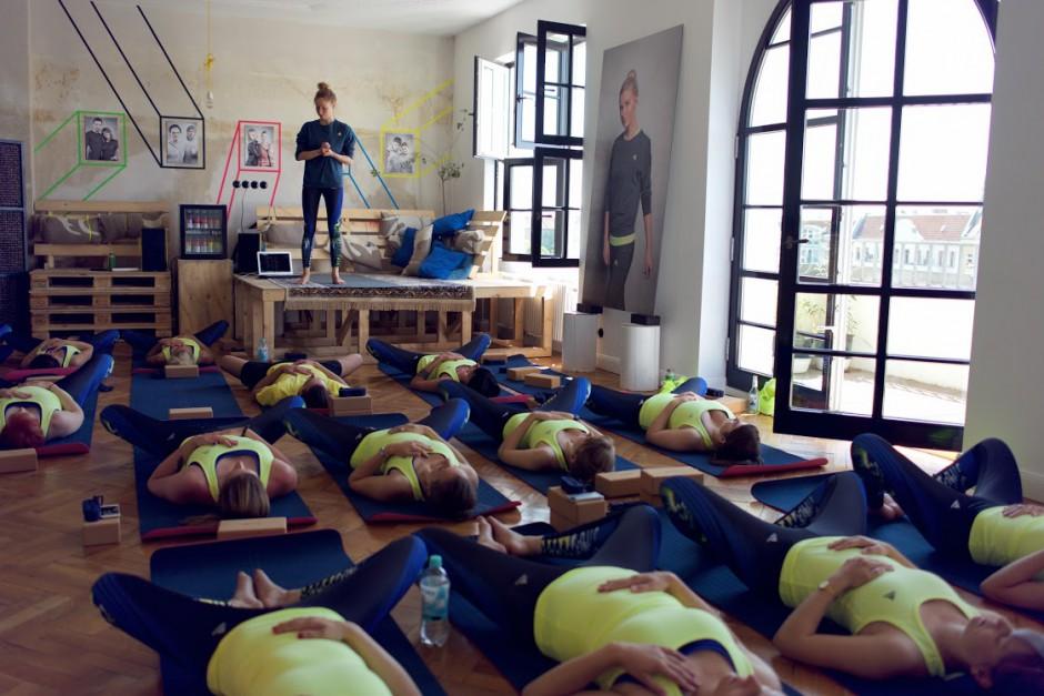 Yoga_Adidas-Boostloft_AvaCarstens 79