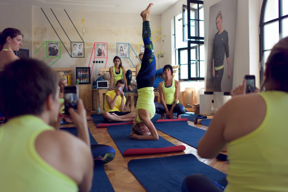Yoga_Adidas-Boostloft_AvaCarstens 94