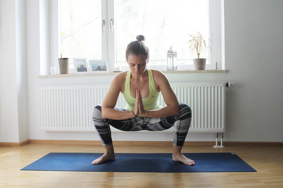 www.wildandfit.net-yoga-laeufer-laufen-hocke