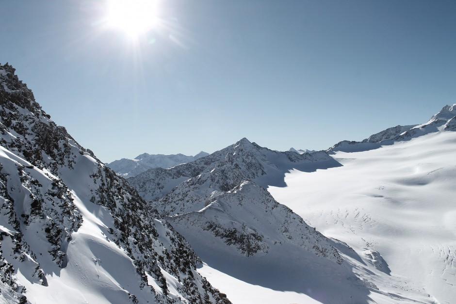 soelden-oesterreich-5-gletscher-freunde-skifahren-skigebiet-oetztal_13