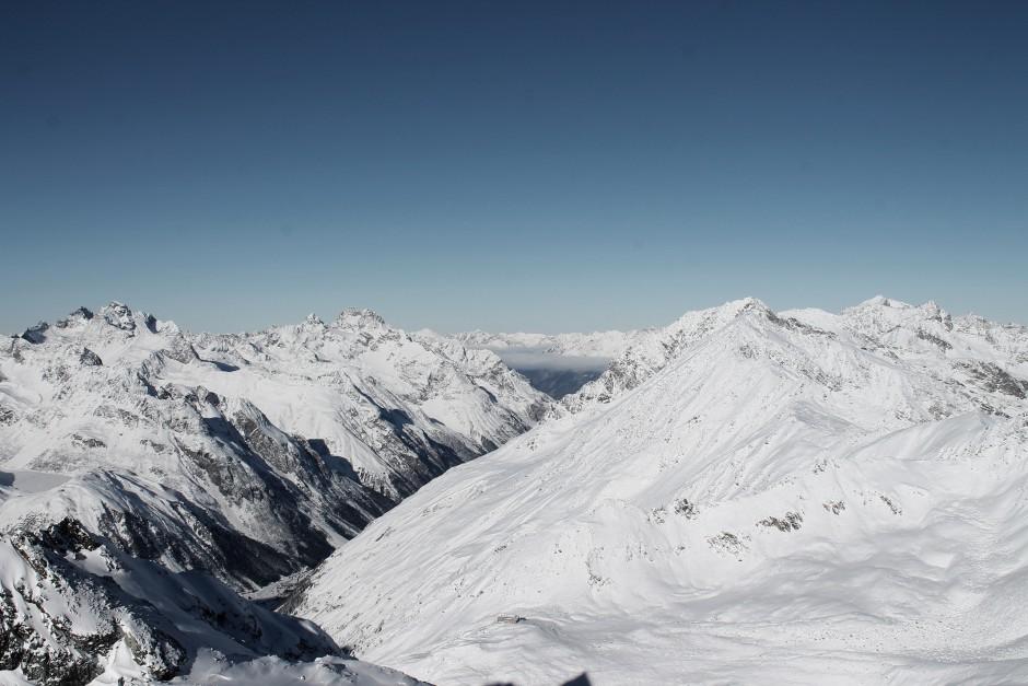 soelden-oesterreich-5-gletscher-freunde-skifahren-skigebiet-oetztal_17
