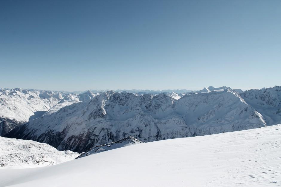 soelden-oesterreich-5-gletscher-freunde-skifahren-skigebiet-oetztal_2