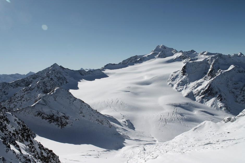 soelden-oesterreich-5-gletscher-freunde-skifahren-skigebiet-oetztal_21