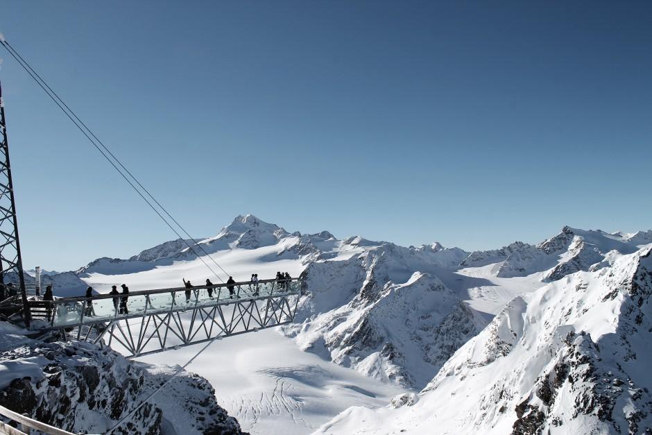 soelden-oesterreich-5-gletscher-freunde-skifahren-skigebiet-oetztal_23