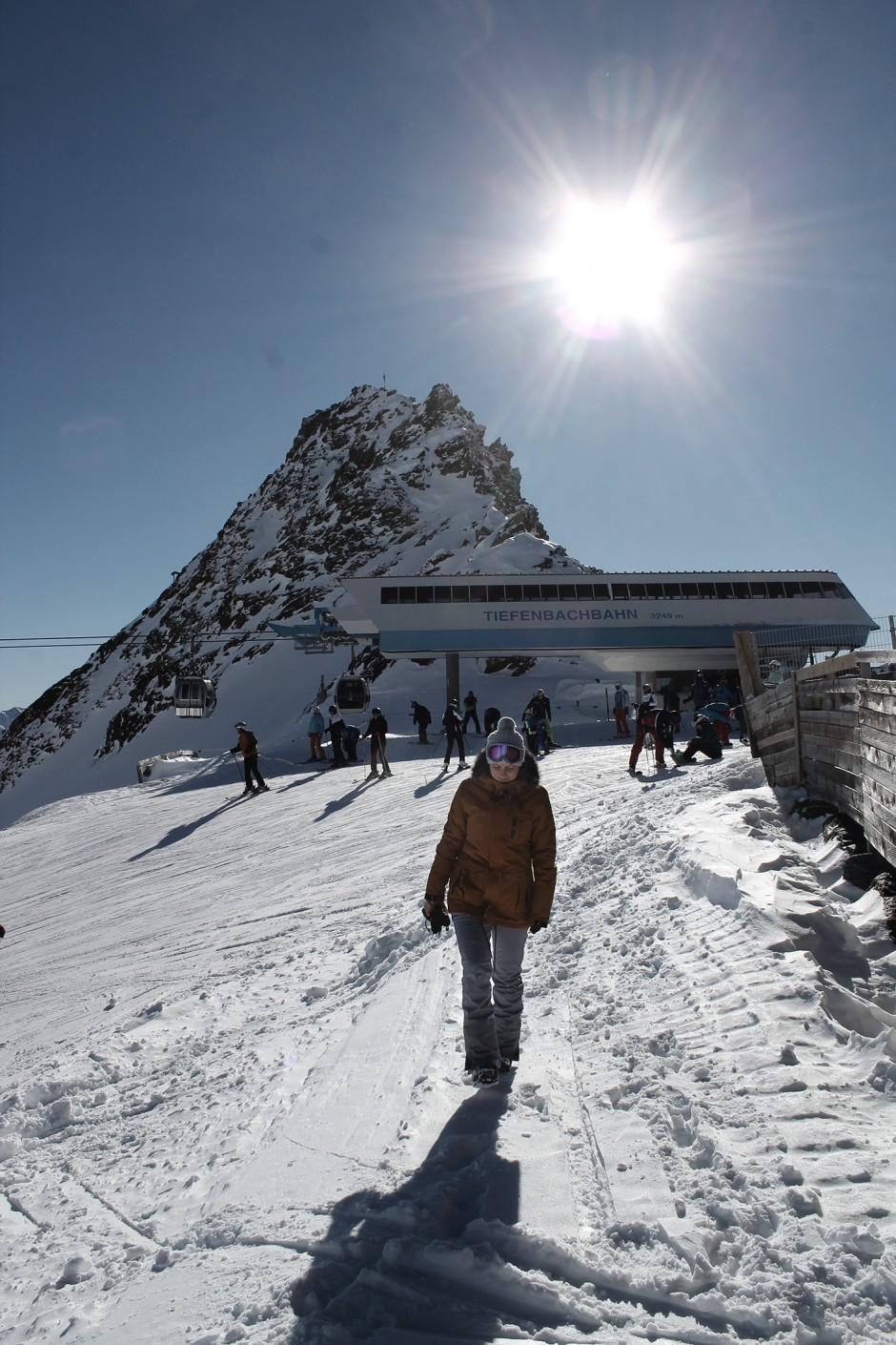 soelden-oesterreich-5-gletscher-freunde-skifahren-skigebiet-oetztal_24