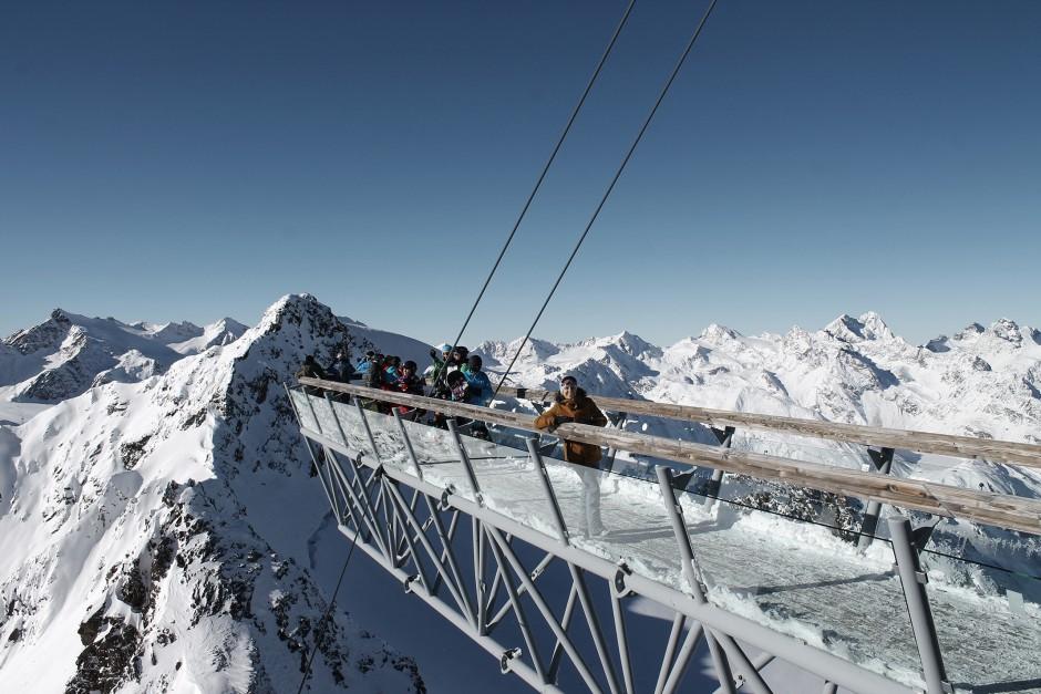 soelden-oesterreich-5-gletscher-freunde-skifahren-skigebiet-oetztal_27