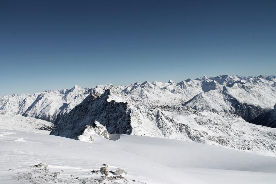 soelden-oesterreich-5-gletscher-freunde-skifahren-skigebiet-oetztal_9