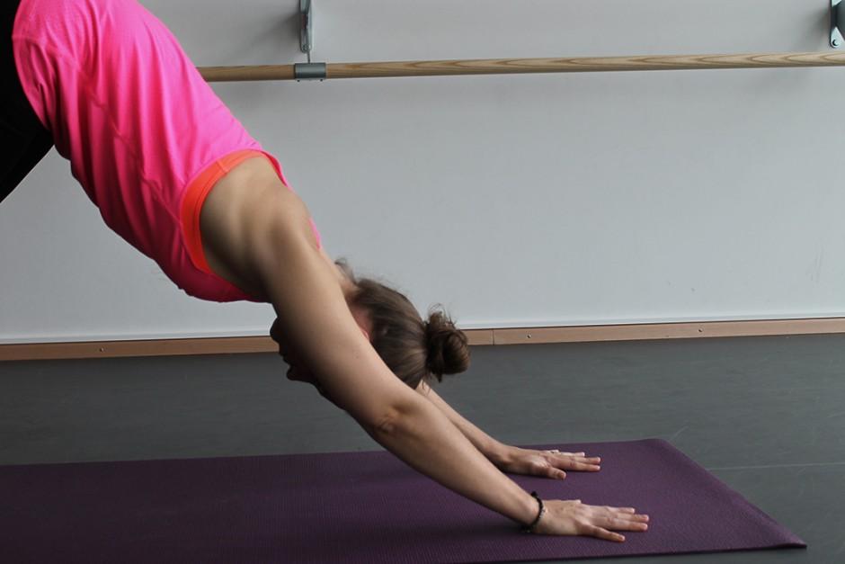 wildandfit-hunkemoeller-hkmx-kollektion-yoga-routine-morgen-10