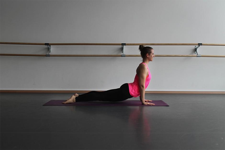 wildandfit-hunkemoeller-hkmx-kollektion-yoga-routine-morgen-6