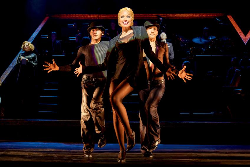 CHICAGO - DAS MUSICAL Ab 11.10.2015 im Stage Theater des Westens Berlin Infos auf musicals.de Szene mit Carien Keizer als Roxie Hart